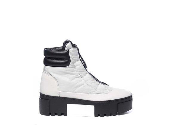 Sneaker bottine en cuir gris polaire et nylon avec fermeture éclair