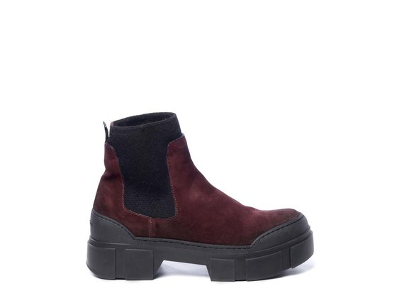 Brick-red split leather Beatle boots