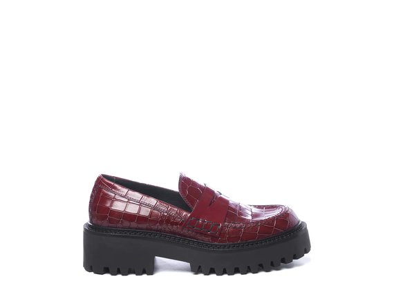 Printed ruby-red leather moccasins