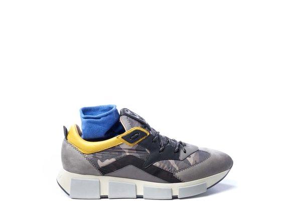 Running pour homme en croûte de cuir grise/tissu camouflage couleur argile