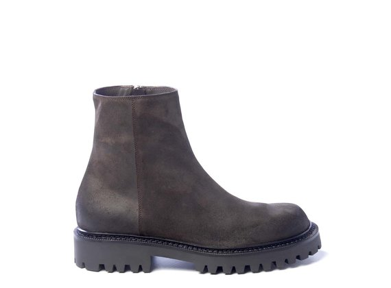 Men's zipped dark brown ankle boots in split leather