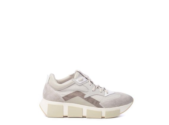 Ice-white running shoes in split leather and nylon