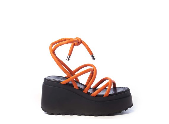 Wedge sandals with thin orange strips