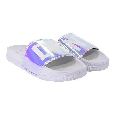 White logo detail sandals